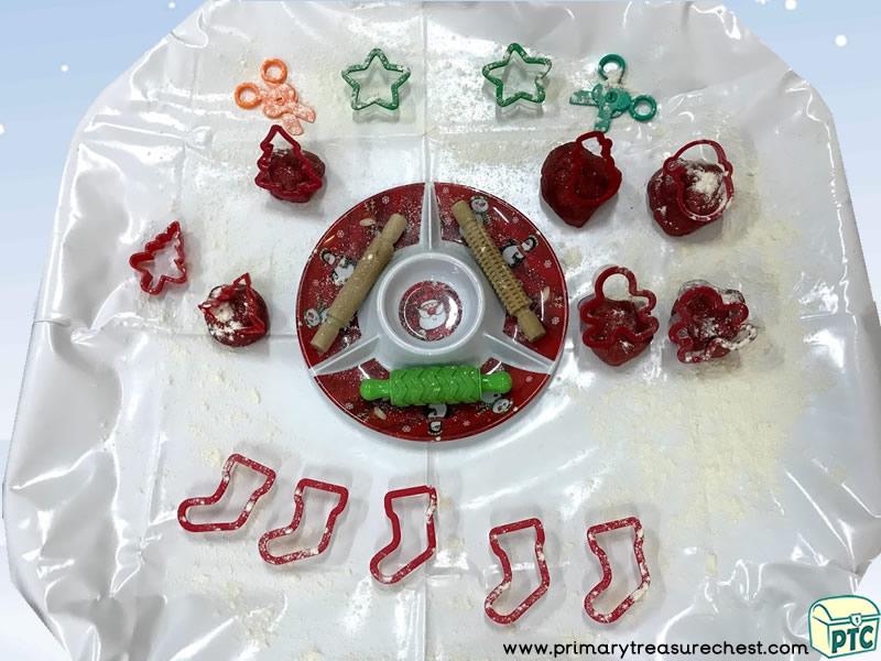 Christmas - Playdough - Small World Play Tuff Tray Activity Idea