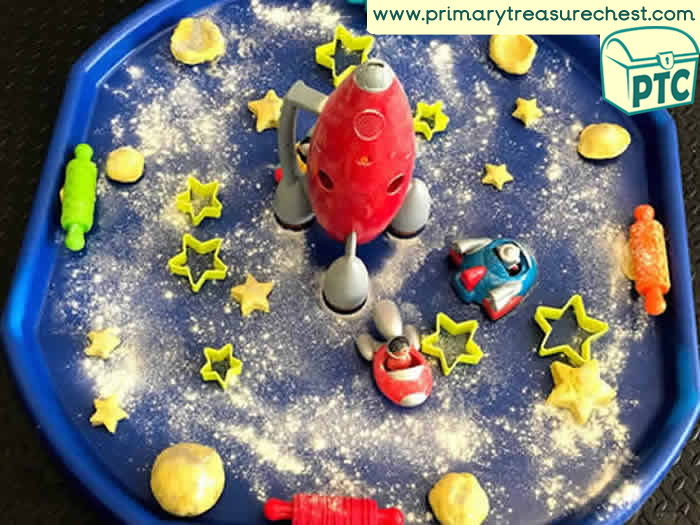 Space sensory playdough stars tuff tray - Role Play Sensory Play - Tuff Tray Ideas Early Years / Nursery / Primary